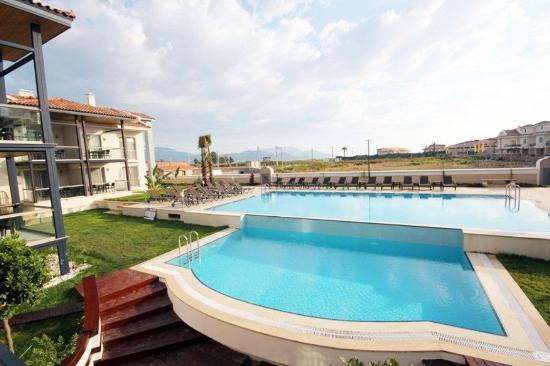 Diana Residence: pool