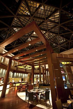 Hotel Kunlun: Skyline Cafe
