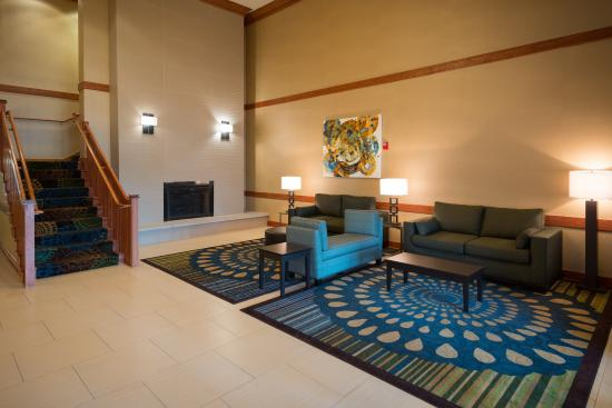 Roselle, IL: Newly remodeled lobby at the Holday Inn Express by O'Hare Airport