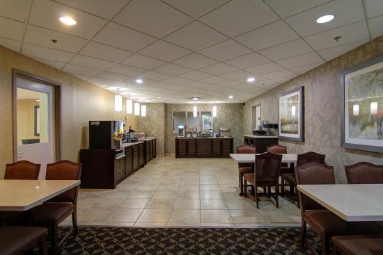 Bowmanville, Kanada: breakfast room