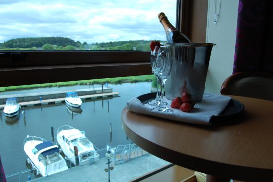 Leitrim, Irlandia: View from Room 201