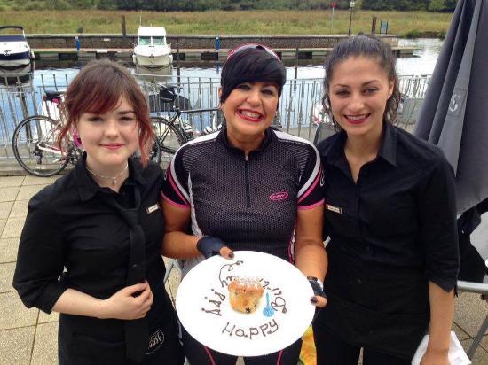 Leitrim, Irlandia: Friendly Staff