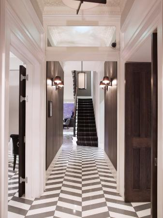 Eccleston Square Hotel: entrance