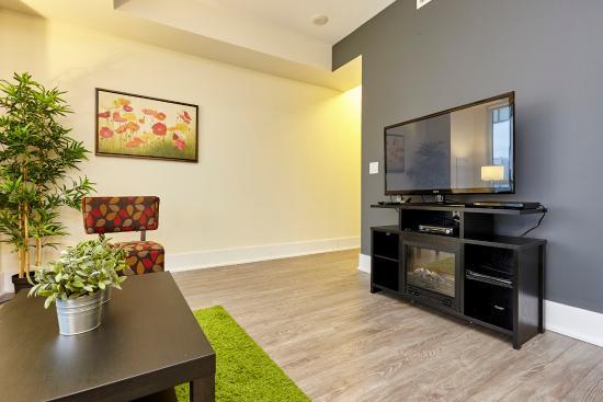 one bedroom apartment picture of atlas suites cn tower rh tripadvisor ca