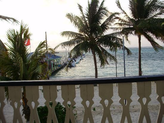 Holiday Hotel Resmi