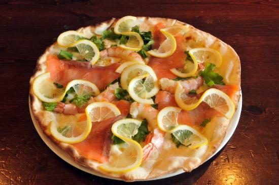 Il Veliero: Pizza Salmone & Scampi