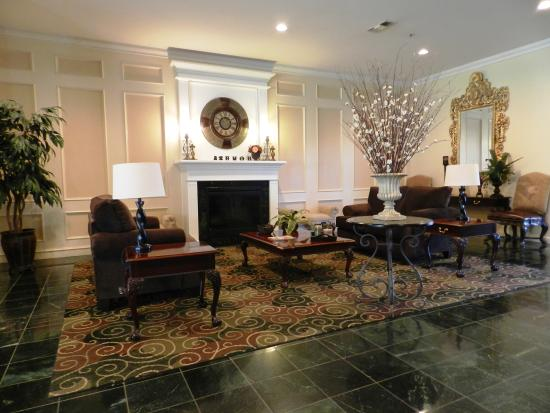 Ashmore Inn and Suites: Hotel Lobby