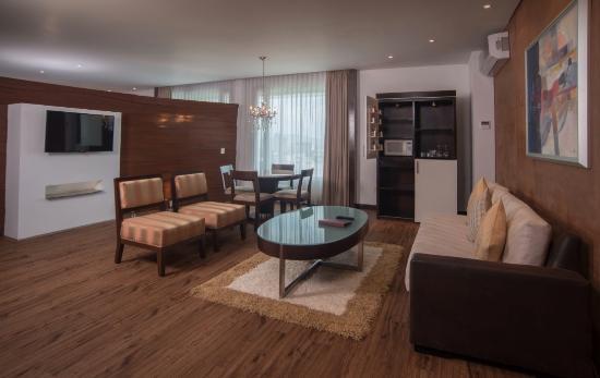 Victoria Ejecutivo Guadalajara: Master Suite
