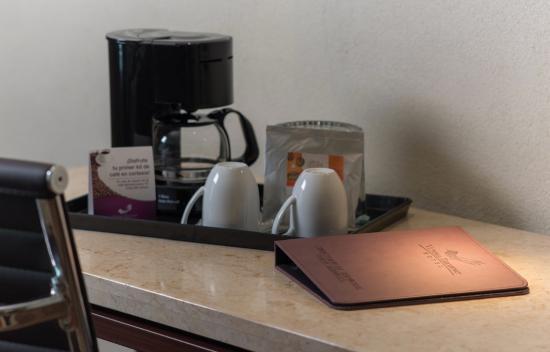Victoria Ejecutivo Guadalajara: Kit de café en habitación