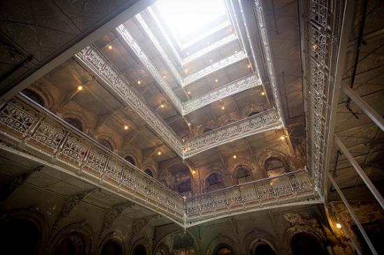 The Beekman, A Thompson Hotel: Atrium