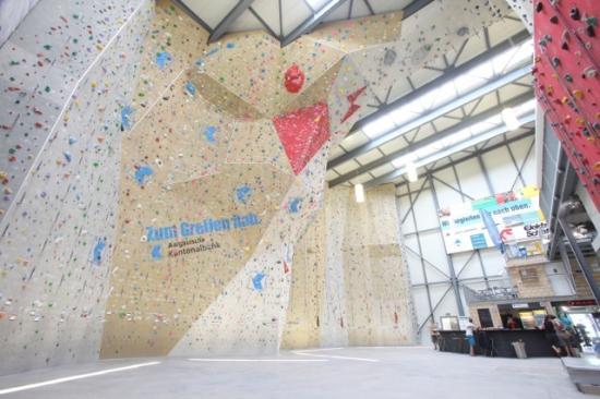 Lenzburg, Suisse : Kletterhalle
