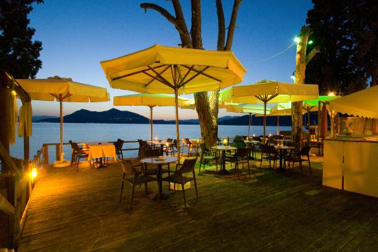Edipsos, Grecia: BEACH BAR