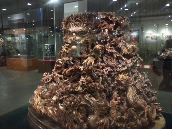 China Red Sandalwood Museun: root carving