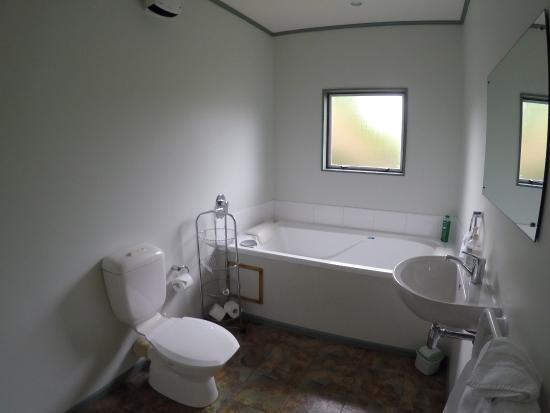 Martinborough, New Zealand: bathroom with spa
