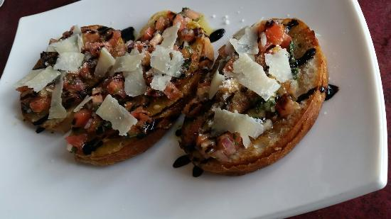 Shillington, เพนซิลเวเนีย: Think this just may be the best bruschetta i ever had. Been on a hunt for just this since oc, md