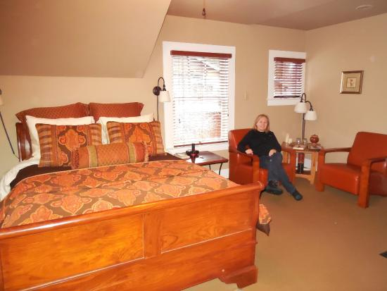 Lara House Bed and Breakfast Photo