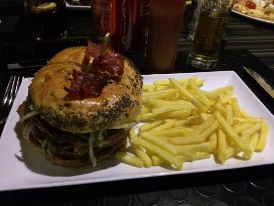 Bex, Schweiz: Le hamburger Vida Loca !
