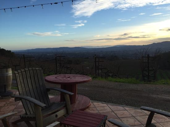 Kenwood, CA: B Wise is one of my favorite wineries. Anne is amazing and their cave experience is over the top