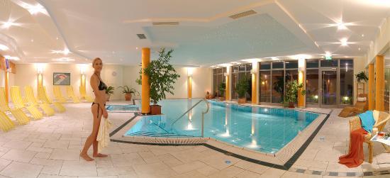 Alpen Adria Hotel & Spa: Hallenbad