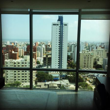 NH Collection Barranquilla Smartsuites Royal: photo0.jpg
