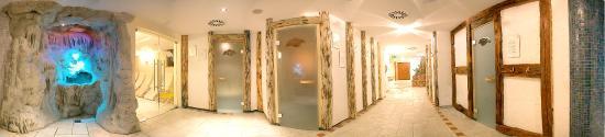 Alpen Adria Hotel & Spa: Sauna Area - Gletscherbrunnen