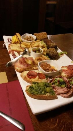 Ramazzano, Italia: Antipasto trilogy, dolci e menu