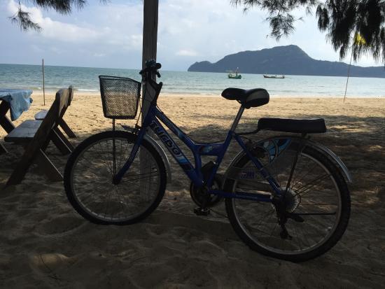 Sam Roi Yot, Thailand: Possibilité de prendre des vélos gratuitement. Juste un plaisir. Idéal. Pistes cyclables aménagé