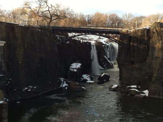 Paterson, นิวเจอร์ซีย์: The Falls