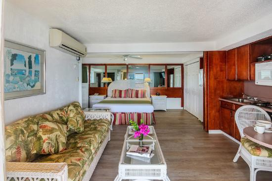 Cupecoy Bay, St-Martin/St Maarten: All new renovated rooms!