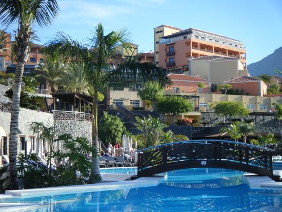 Hotel visto dalla piscina picture of melia jardines del for Jardin del teide