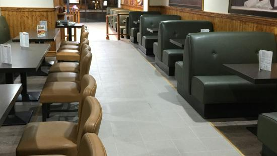 Bridgwater, UK: Lovely spacious comfy seating