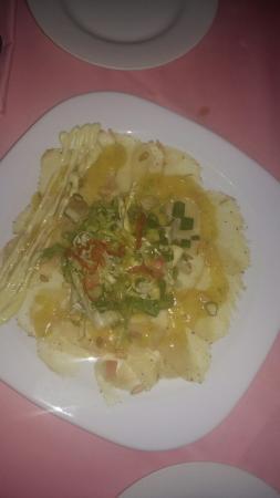 Mona Lisa: Really nice food. Barracuda was very good, as well the wahoe carpaccio. Gorgeous dessert