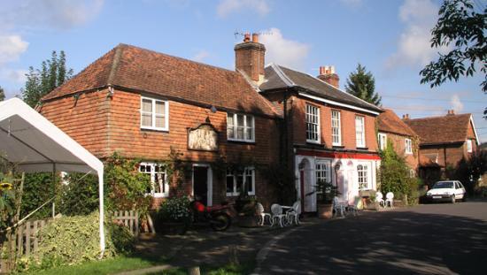 Godalming, UK: The Sun Inn, Dunsfold, Surrey