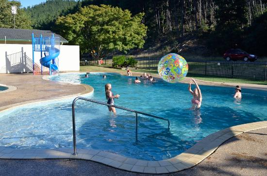 Porepunkah, Australia: pool and water park