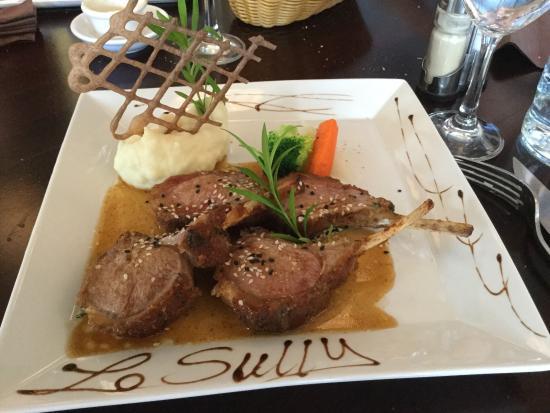 Restaurant Le Sully: Un cafe très gourmand et des côtelettes d'agneau