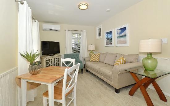 The Cottages At Siesta Key: Blue Sage Living Room