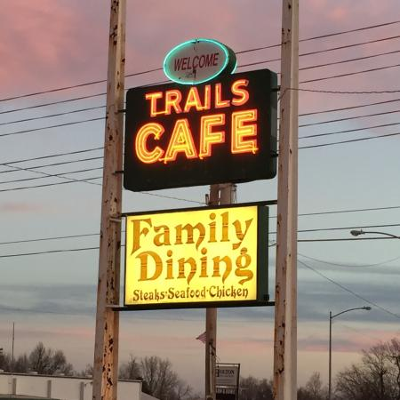 Trails Cafe, Holton