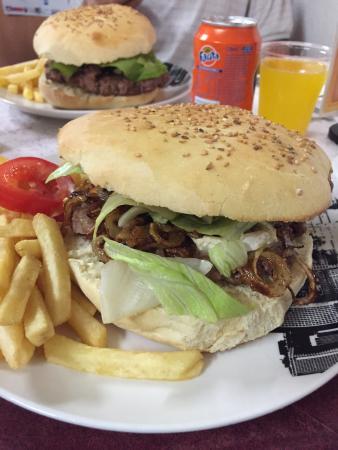 Super bon hamburger picture of l 39 oncle sam haguenau - Direct cuisine haguenau ...