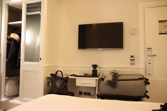 H10 Universitat Hotel Photo
