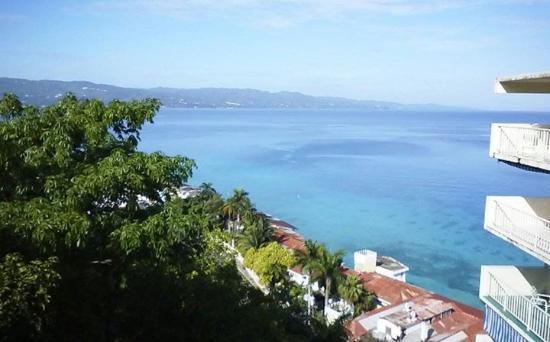 El Greco Resort: Looking down from breakfast at Elgreco