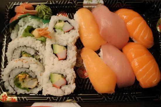 Sushi North: 握りの一番左が極北イワナ