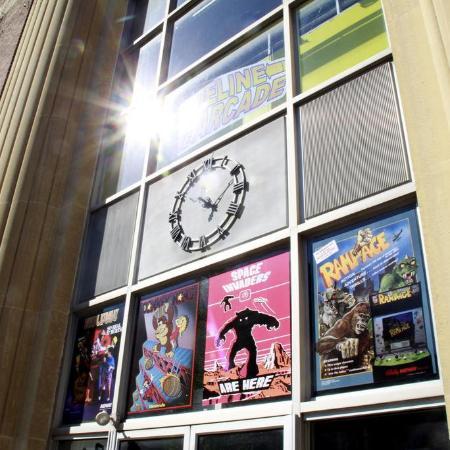 Hanover, Пенсильвания: timeline arcade exterior of building