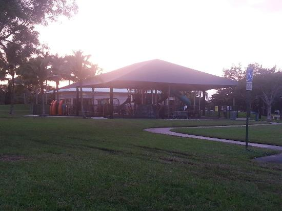 Sunrise, FL: Park area
