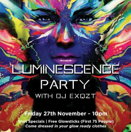 Surrey, Kanada: The November Luminescence Party – Edith + Arthur