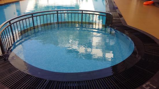 Hotel La Paz Gardens: kid pool area