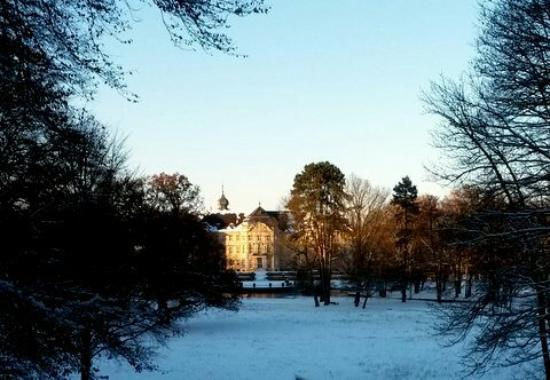 Werneck, ألمانيا: Blick auf Schloß und Terasse