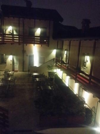 Scanzorosciate, Itália: 20160128_214401_large.jpg