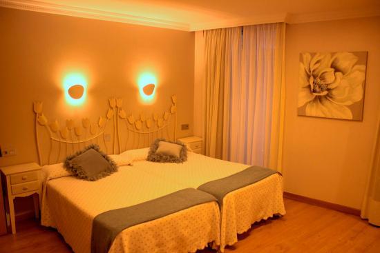 Hotel puerta del sol vigo espa a opiniones y for Resort puertas del sol precios