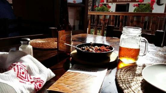 Guinumo Restaurant and Bar