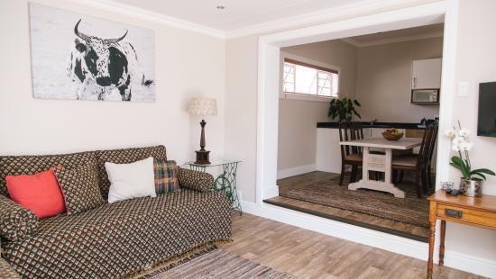lounge and kitchen picture of devereux lodge villas east london rh tripadvisor com